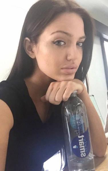 Chelsea Marr Is Angelina Jolie's Doppelganger (24 pics)