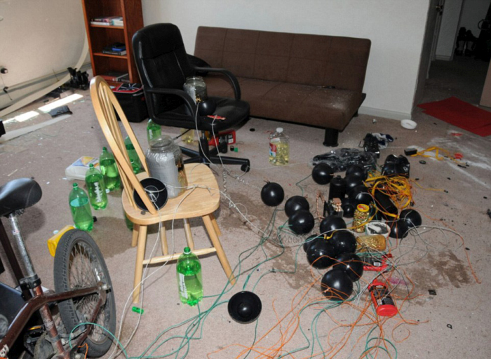 Inside The Apartment of Aurora Shooter James Holmes (7 pics)
