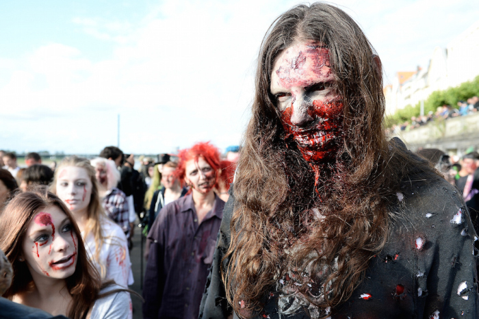 Zombie Parade in Duesseldorf, Germany (18 pics)