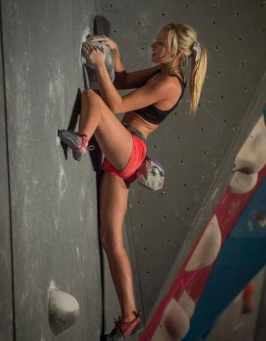 Sexy Rock Climbing Girls That Are Too Hot To Handle 39 Pics-8048