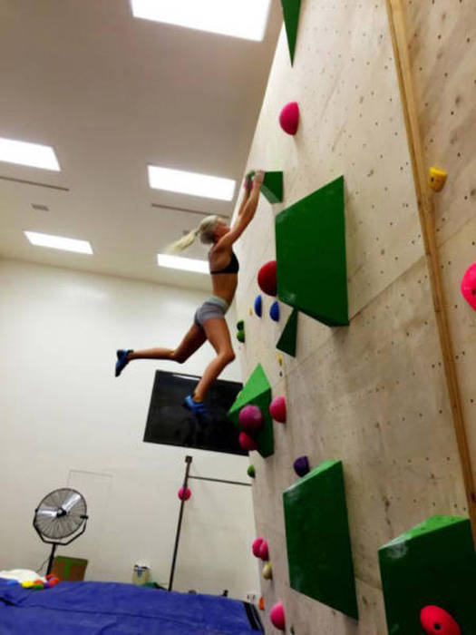 Sexy Rock Climbing Girls That Are Too Hot To Handle 39 Pics-1118
