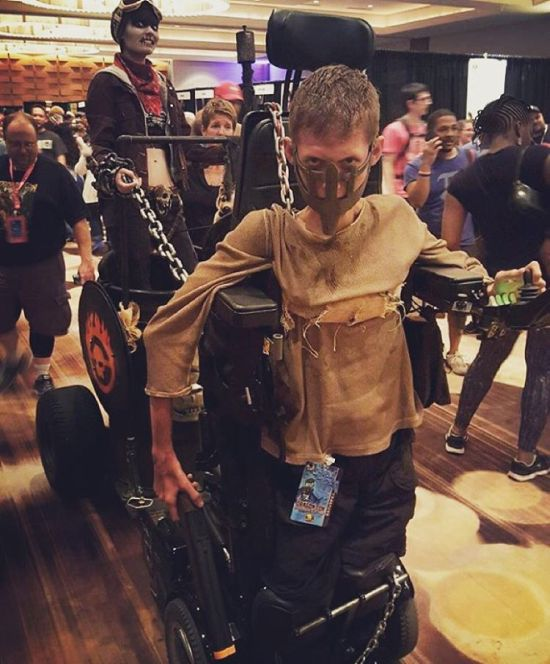 This Disabled Student Used His Wheelchair To Make An Epic Mad Max Cosplay (8 pics)