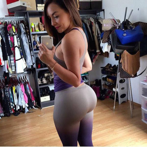 Always Look Drop Dead Gorgeous In Yoga Pants (62 pics)