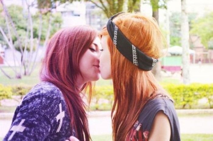 Girls Kissing Is A Beautiful Sight To See 22 Pics-2440