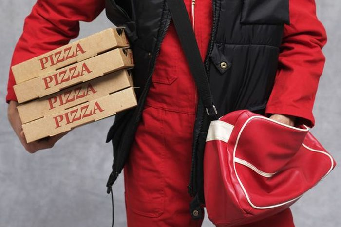Only The Bravest Of Pizza Delivery Drivers Could Handle This Mission