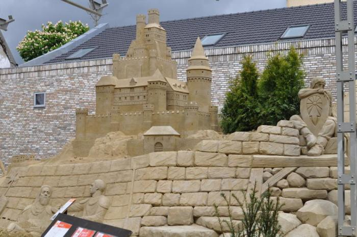 You Can Spend A Night In This Giant 60 Room Sand Castle (10 pics)