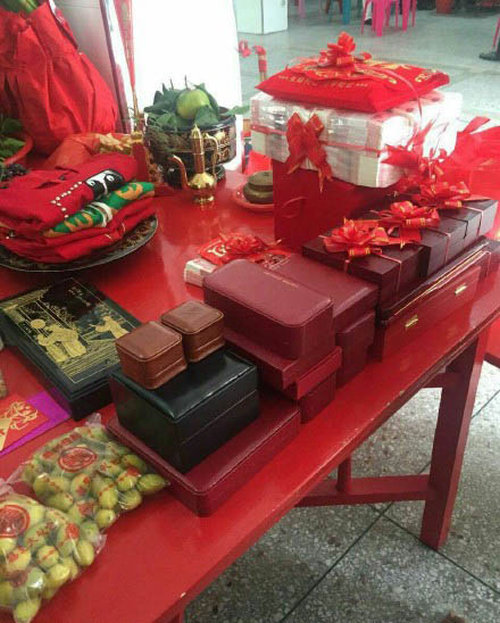 Guy Marries Rich Man's Daughter And Makes A Fortune (4 pics)