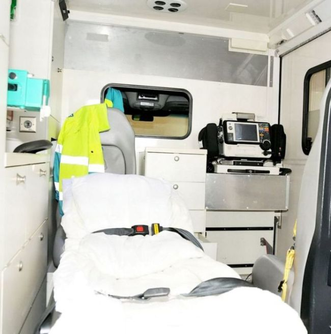 Ambulance Driving Drug Smugglers Get Busted With Huge Stash (6 pics)