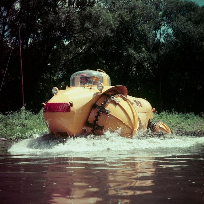 The 1957 Aghnides Rhino Is Truly An All Terrain Vehicle (4 pics)