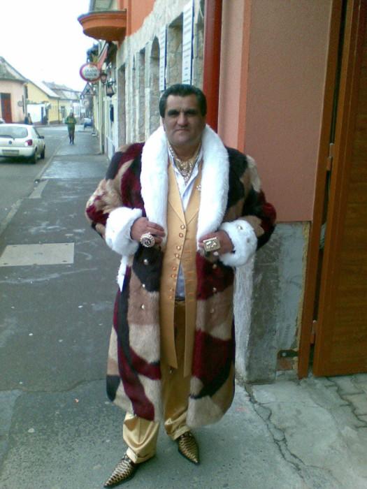 Luxury Roma Life (35 pics)