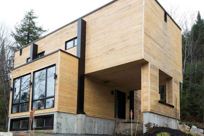 Man Builds Impressive Home Out Of Shipping Containers (18 pics)