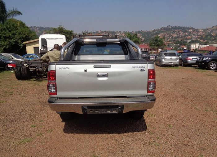UK Detectives Find Million Dollar Fleet Of Cars In Uganda (7 pics)