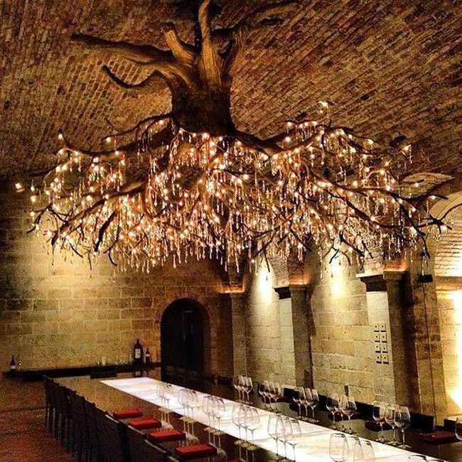 The Kathryn Hall Vineyard Is Home To An Amazing Tree Chandelier (2 pics)