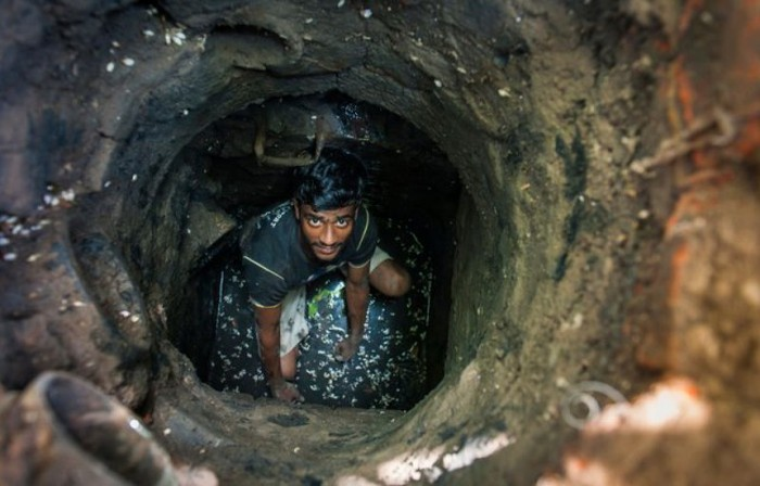 Sewer Divers In Delhi Have A Gross Job That Pays Very -3028