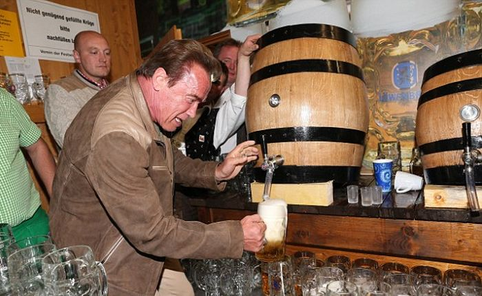 Arnold Schwarzenegger Celebrates Oktoberfest With Girlfriend Heather Milligan (7 pics)