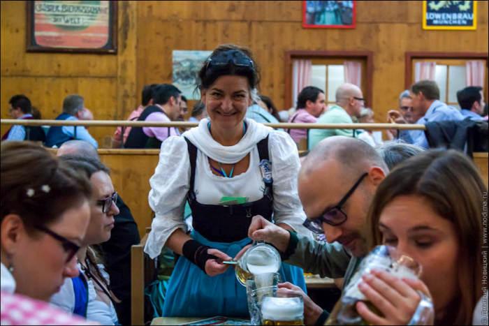 When Your Expectations Of Oktoberfest Waitresses Meet Reality (20 pics)