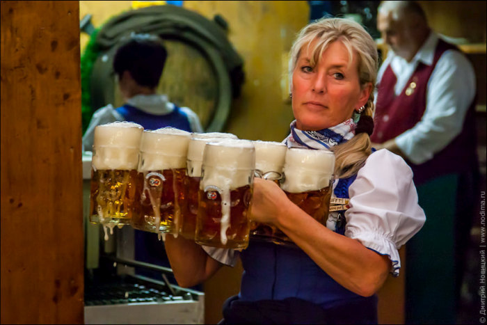 When Your Expectations Of Oktoberfest Waitresses Meet Reality (20 pics)