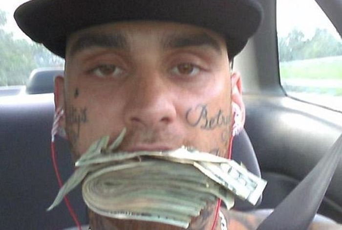 Bank Robbers Get Busted After Posting Selfies On Facebook (6 pics)