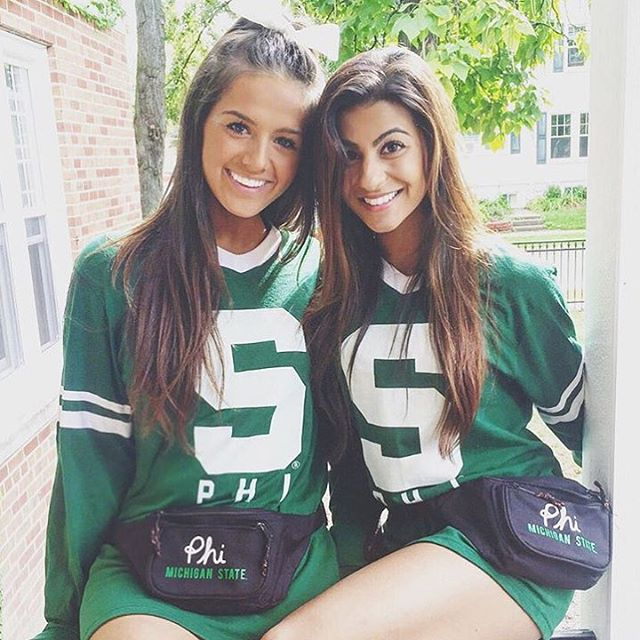 These College Girls Are Something To Write Home About (24 pics)
