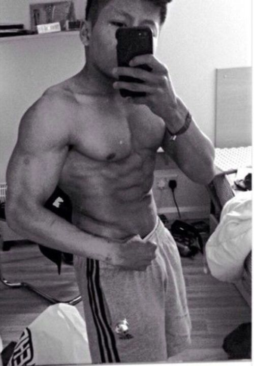 This 21 Year Old Man Is The Smallest Bodybuilder In The UK (8 pics)