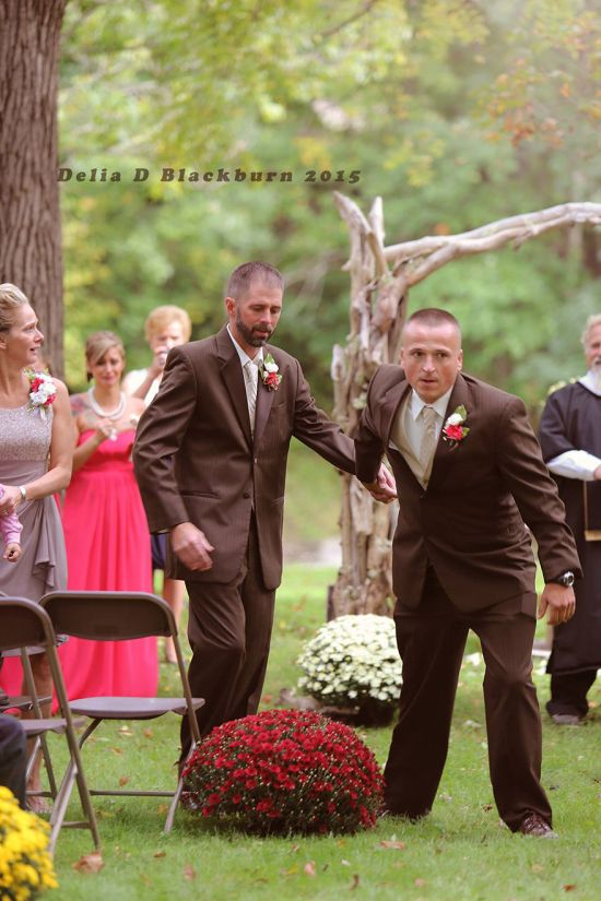 Father Of The Bride Allows Stepdad To Walk With Them Down The Aisle (5 pics)