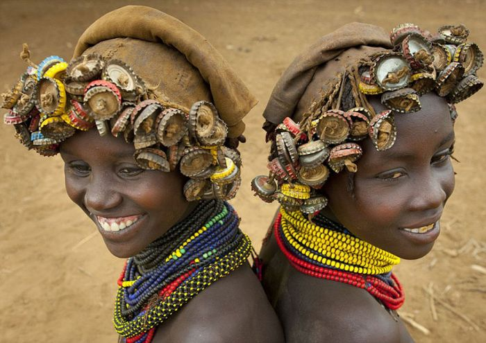 Ehtiopian Tribes Use Trash To Create Cool Headwear (12 pics)