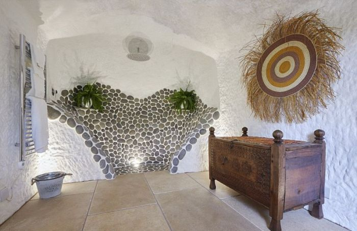 Man Turns 800 Year Old Cave Into His Dream House (14 pics)