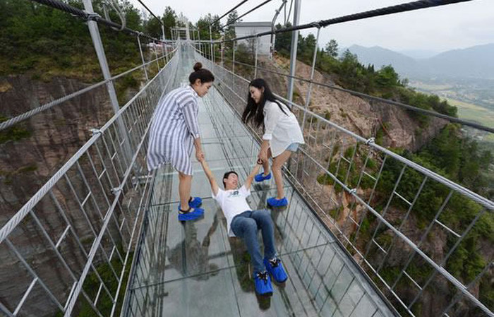 China Is Home To The World's Longest Glass Bridge And It's Insane (8 pics)