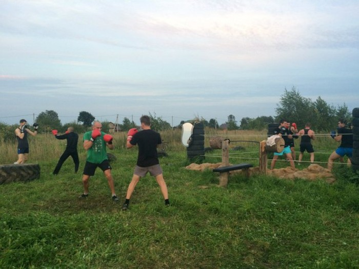 Russians Create Outdoor Gym Using Their Bare Hands (15 pics)