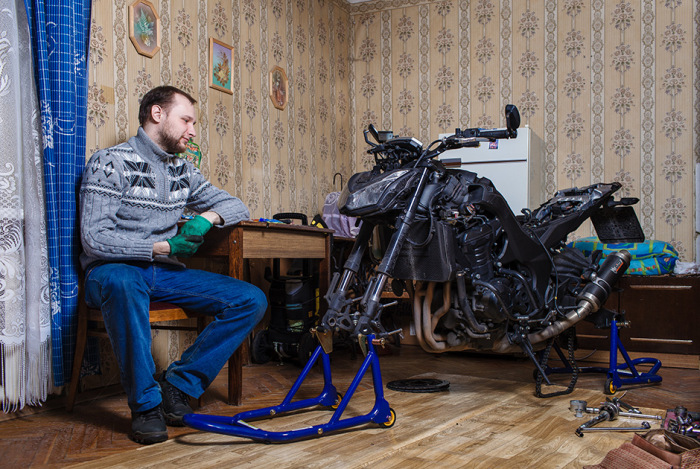 What It Looks Like When Motorcycle Season Comes To An End (30 pics)