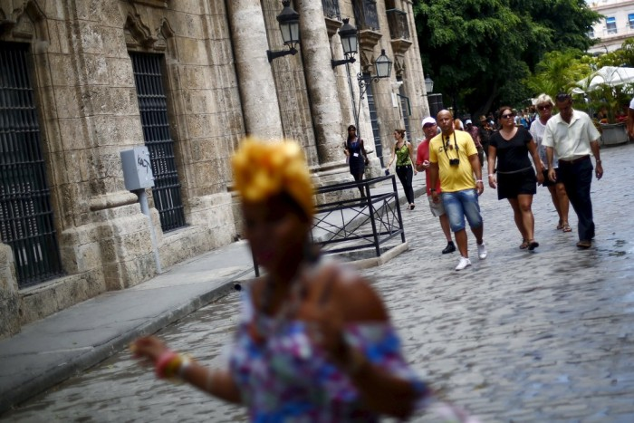 An On The Ground Look At What Life Is Like In Cuba (37 pics)