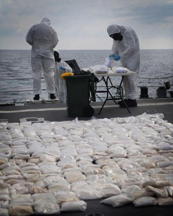 427 Kilograms Of Heroin Destroyed By Australian Navy Ship (6 pics)