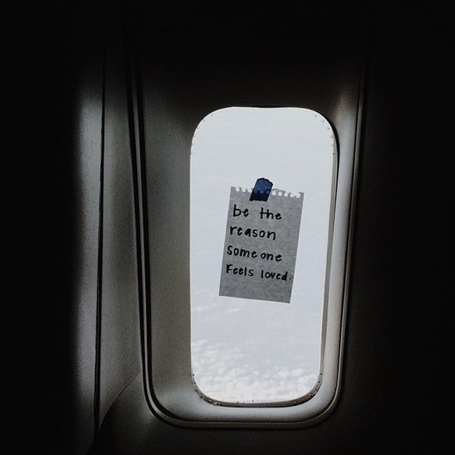 Awesome Flight Attendant Leaves Inspirational Notes For Her Passengers (19 pics)
