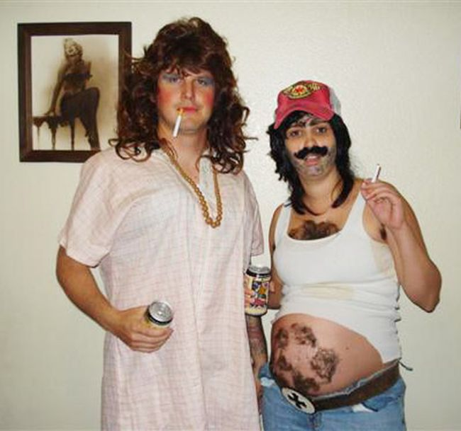 Pregnant People Who Turned Their Baby Bumps Into Halloween Costumes (27 pics)