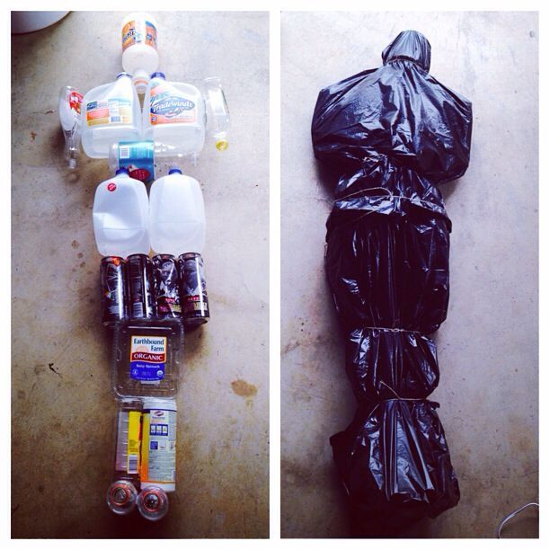 How To Make A Creepy Looking Bodybag At Home (3 pics)