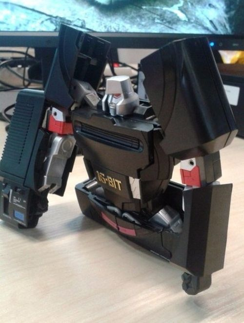 This Sega Mega Drive Is Actually A Robot In Disguise (9 pics)
