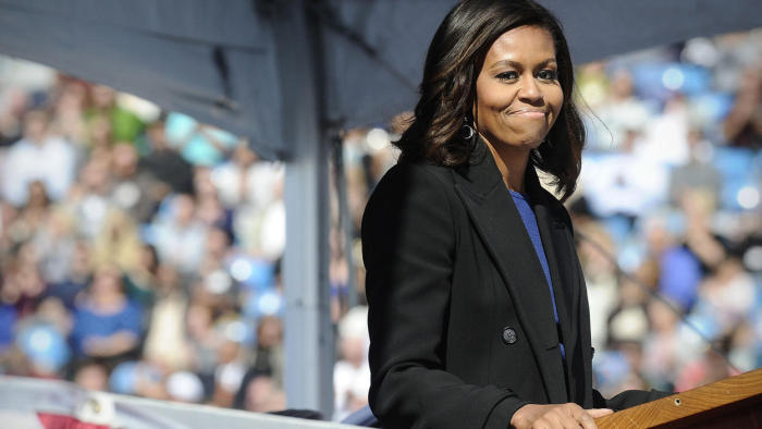 First Lady Michelle Obama Christens New Navy Sub Illinois (4 pics + video)