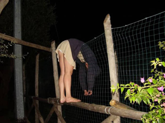 Drunk People Doing Stupid Things (49 pics)