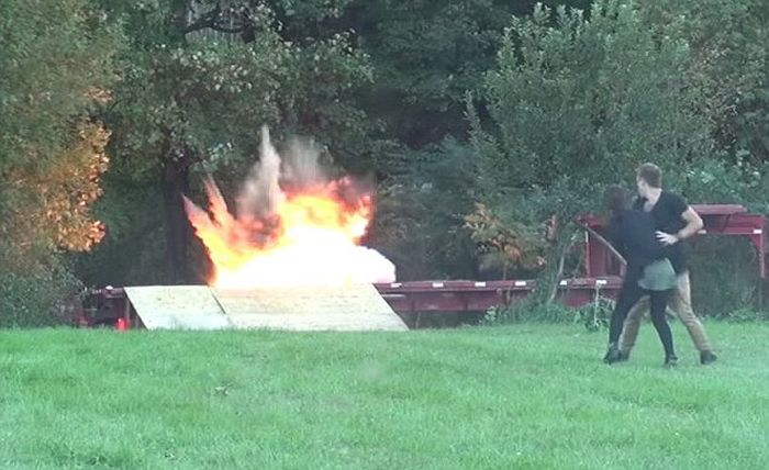 Dad Convinces Girlfriend That Her Son Has Been Blown Up (4 pics + video)