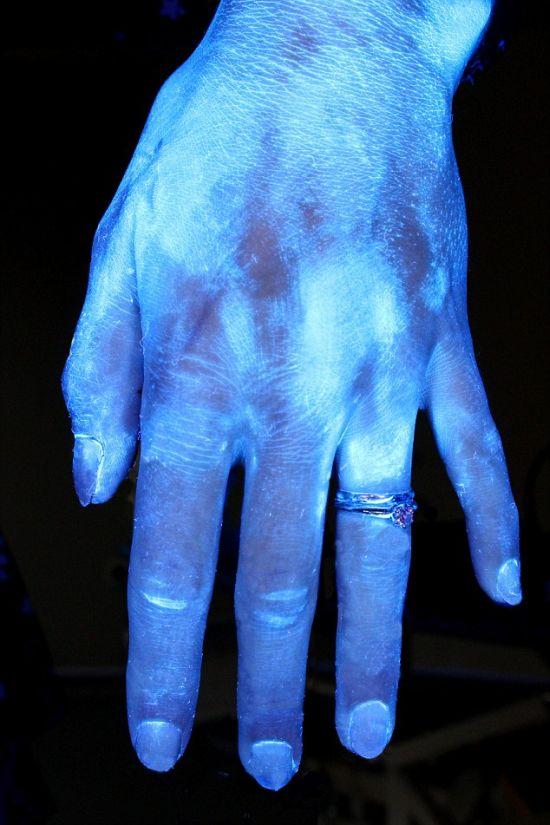 Unique Experiment Reveals How Long You Should Wash Your Hands For (7 pics)
