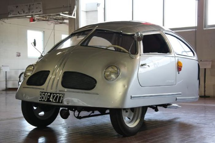This Might Be The Worst Car Ever Created (4 pics + video)