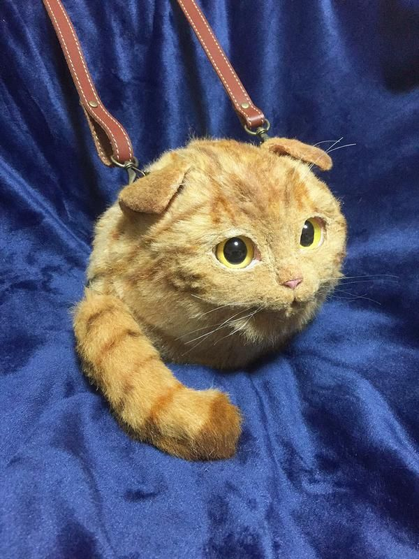These Cat Purses Look Very Close To The Real Deal (10 pics)