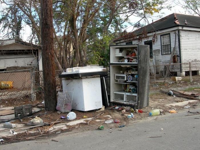 Orphaned Refrigerators Left Behind By Hurricane Katrina (11 pics)