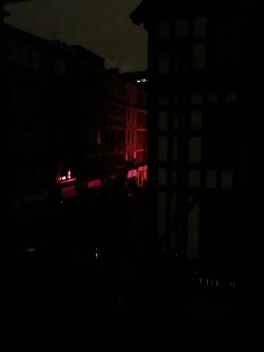 London Goes Dark During Power Outage (11 pics)