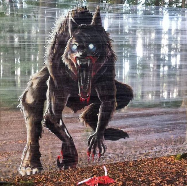 Pollok Park In Scotland Gets A Scary Makeover (2 pics)