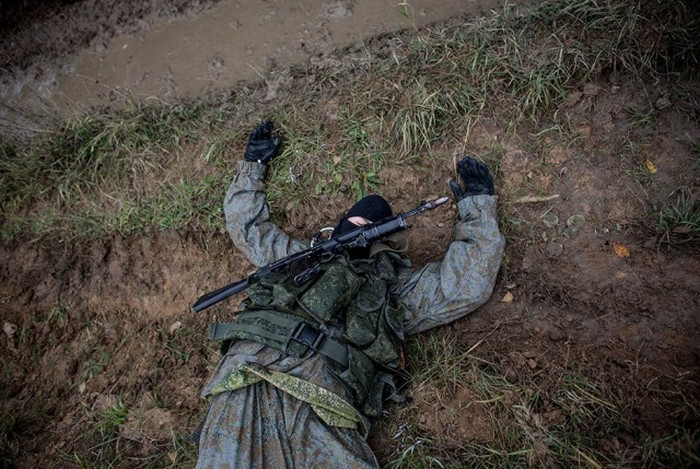 Intense Action Shots Of The Russian Army Training (30 pics)