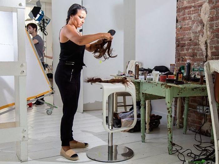 Go Behind The Scenes Of A Victoria's Secret Catalog Photo Shoot (19 pics)