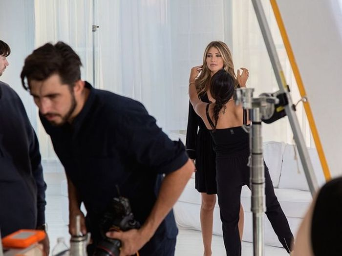 Go Behind The Scenes Of A Victoria's Secret Catalog Photo Shoot (19 pics)