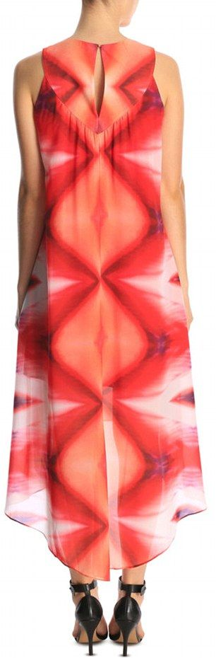 This Dress Resembles A Very Specific Female Body Part (5 pics)