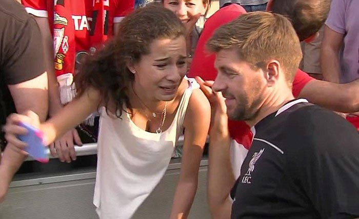 Fans Freak Out When They Meet Their Favorite Celebrities (28 pics)